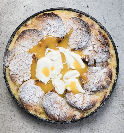 Mandel Brot & Butter Pudding mit Lemon Curd